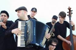 Martin Lubenov Orkestar )photo)